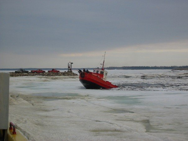 Notre casse glace (tug boat)